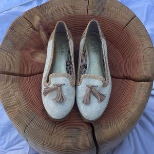 Used Leather Seychelles Flats